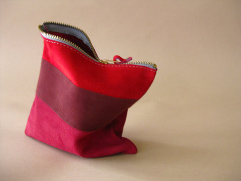 Zipper pouch - Red suede number 7