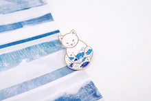 Load image into Gallery viewer, Fluffy Cat Stars Pin