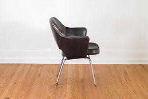 Knoll Saarinen Executive Chairs