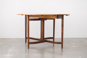MC Oval Dining Table