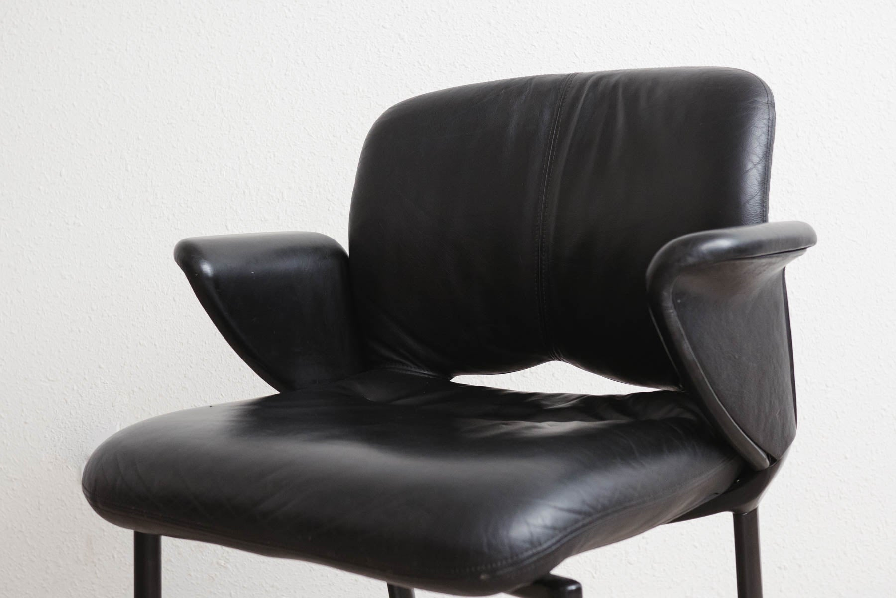 Ordinaire Herman Miller Leather Chair