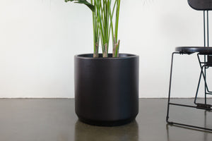 "15"" Pot / Planter - Matte Black Cylinder"