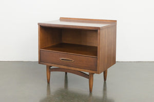 Broyhill Sculptra Nightstands