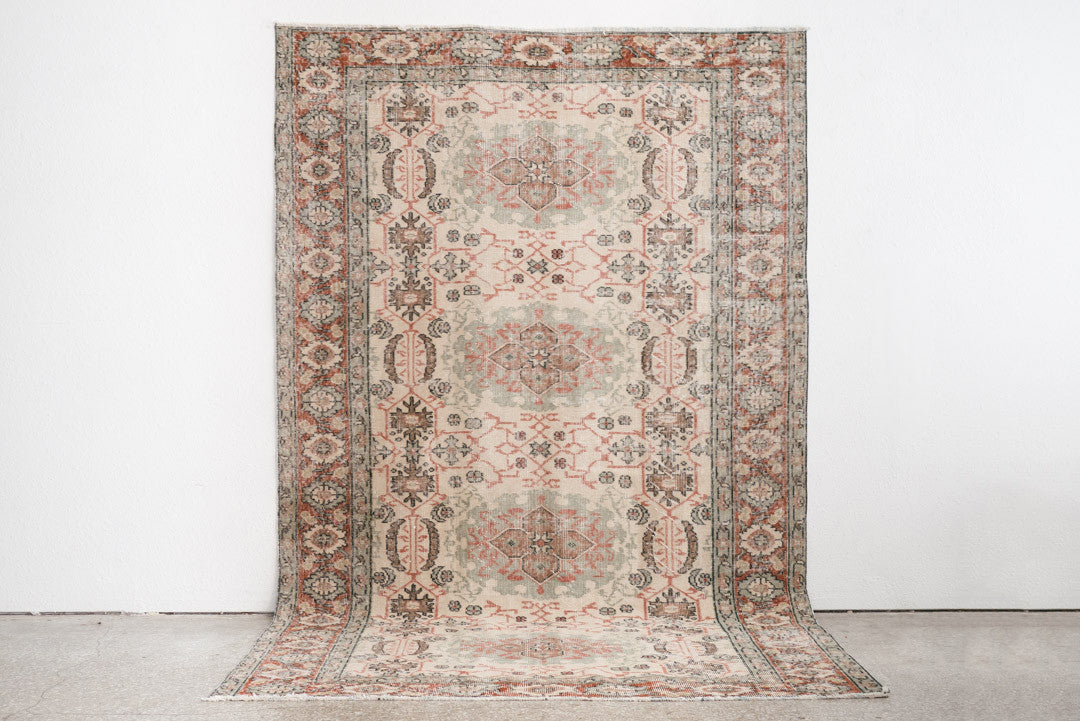 6x9 Turkish Rug