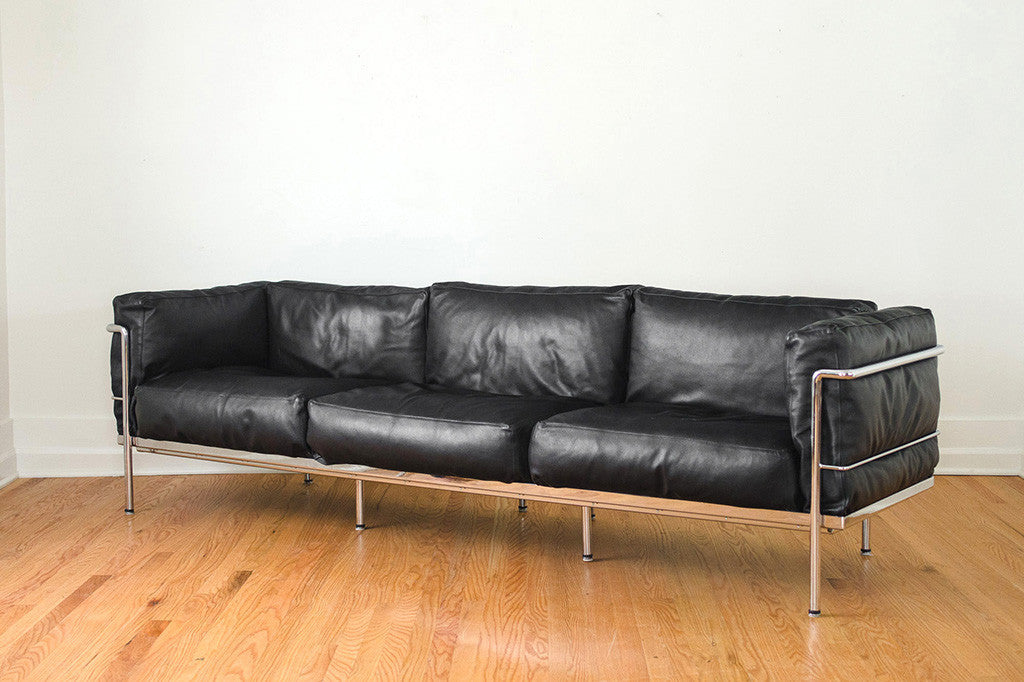 le corbusier lc2 sofa homestead seattle. Black Bedroom Furniture Sets. Home Design Ideas