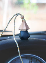 Load image into Gallery viewer, Car Diffuser Air Freshener - Matte Black