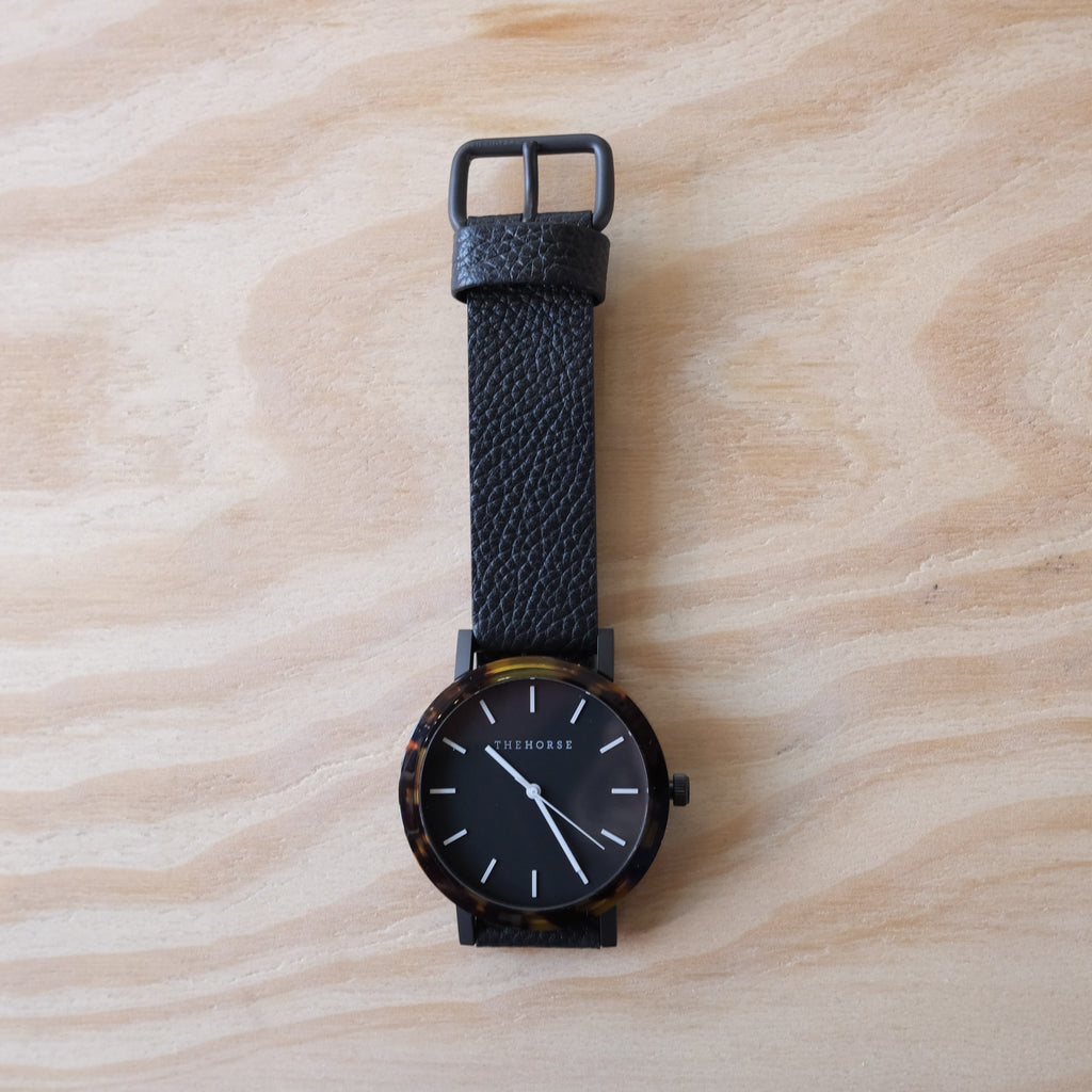 THE HORSE Resin / Tortoise Shell / Black Dial / Black Leather