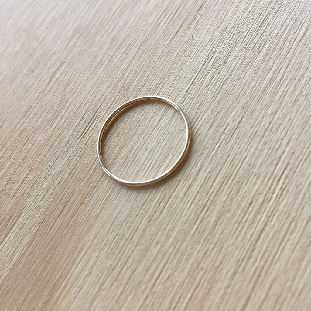 Petit Thread Ring
