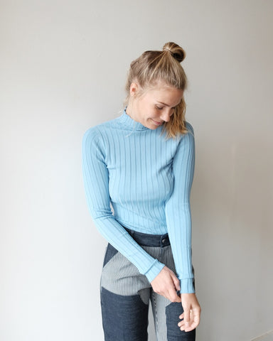 NOMIA Ribbed Turtleneck