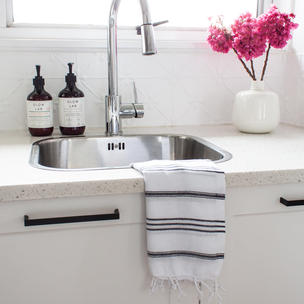 Classic Small Towel Pale Grey