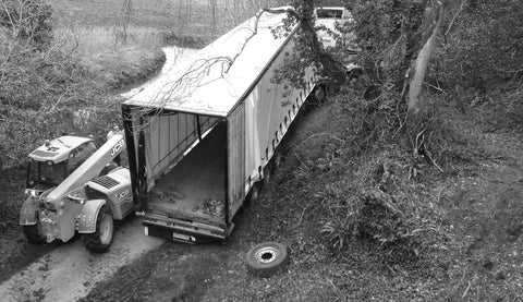 Snakehive driving phone apps blog  - lorry stuck after using sat nav