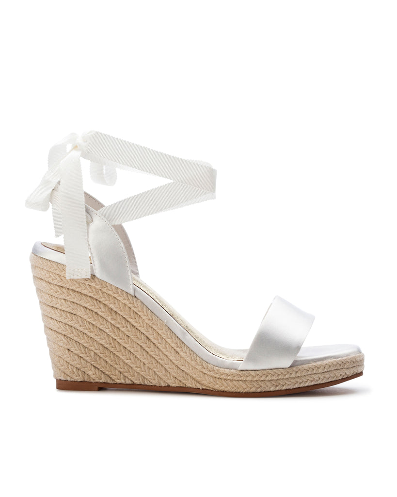 Espadrilles wedges perfect for a beach