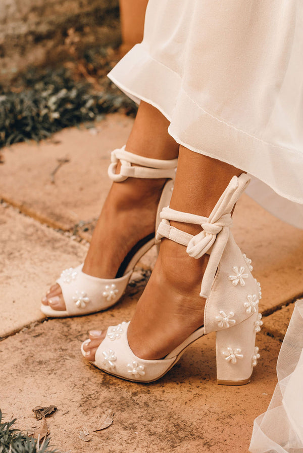Pearl flower wedding shoes with block heel
