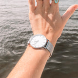 wrist photo - silver mesh strap - 18 mm - Svelte - white dial