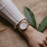 Rose gold women's watch - Rose gold mesh strap - white dial - round case - Svelte Kraek