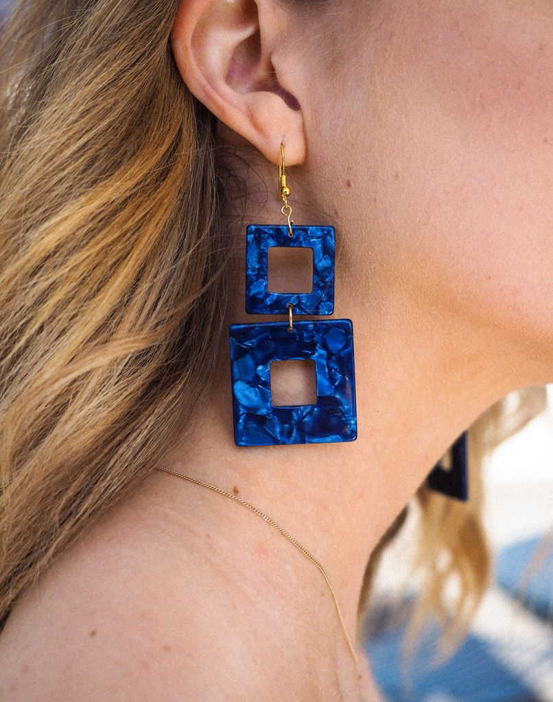 Tuesday Earrings // Navy Blue Pearl