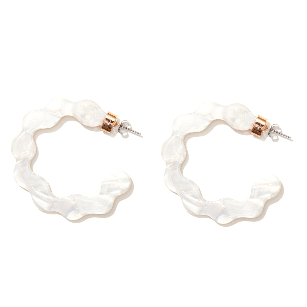 Alice Hoops // White pearl with gold
