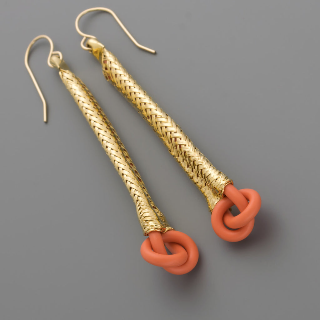 Wire knot in gold braided earrings A-211