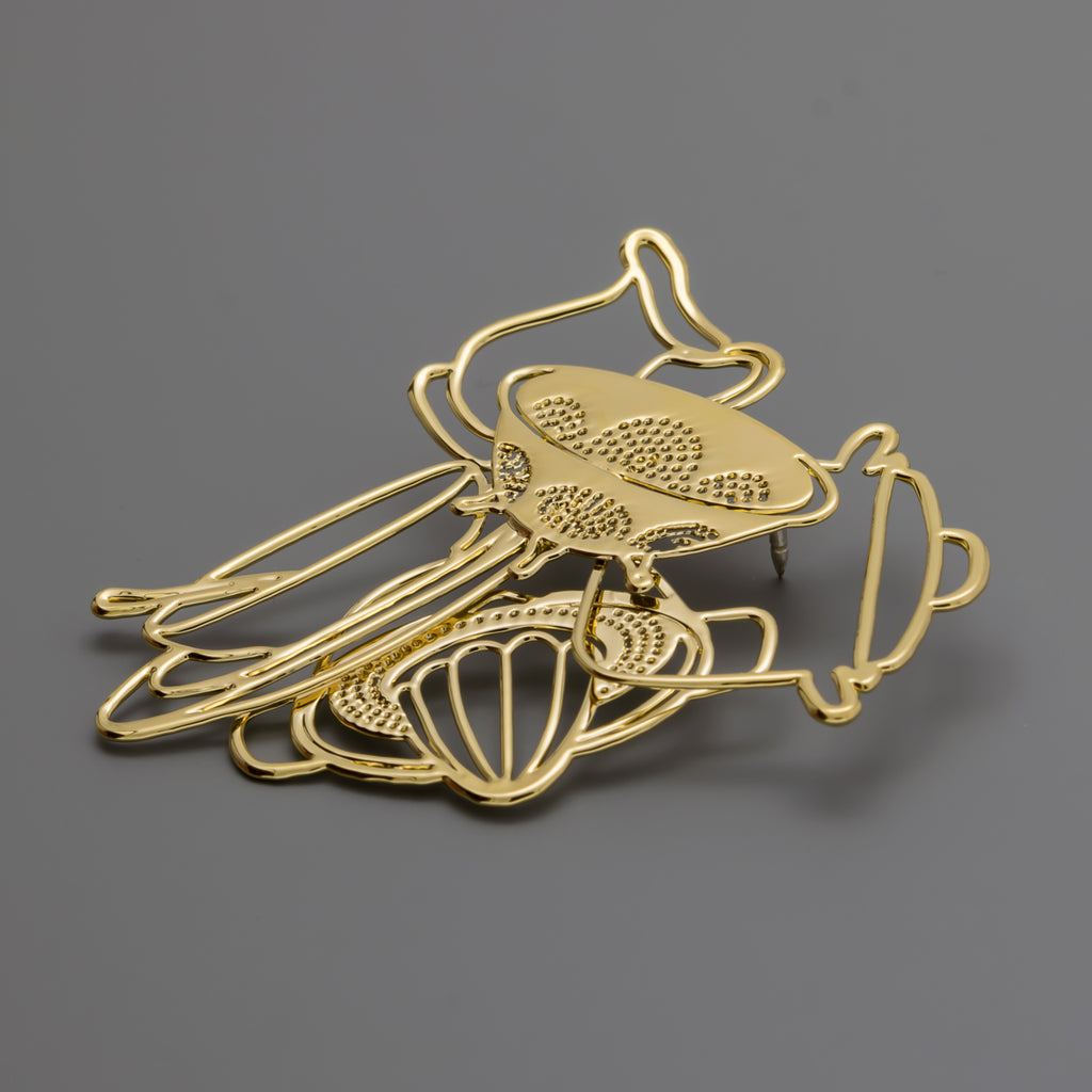 Kitchen cooking gold brooch A-243