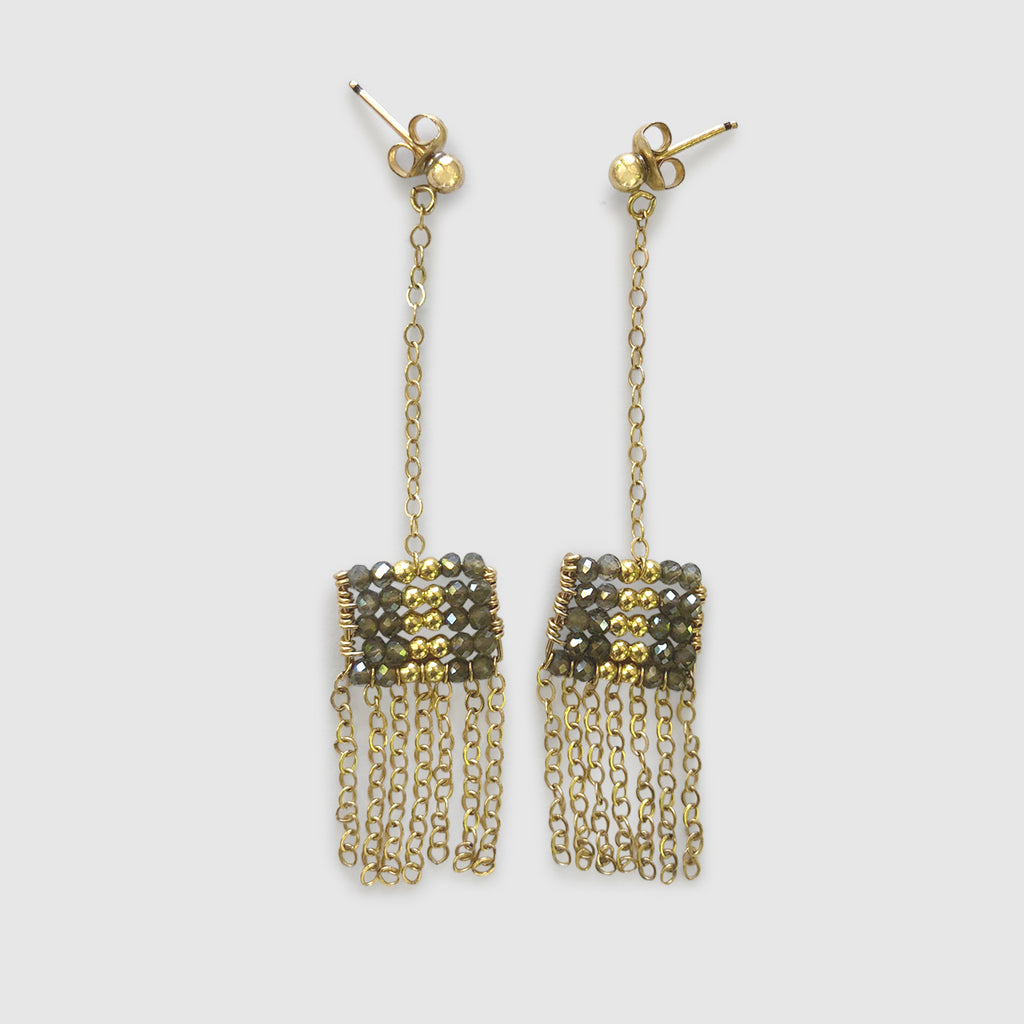 Uwazi Drop Pendant Earring With Chain Tassel [ cats eye ]