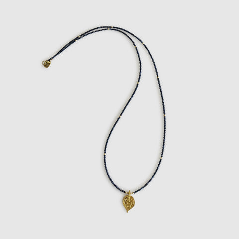 Ngao Long Necklace With Teardrop [ sapphire ]