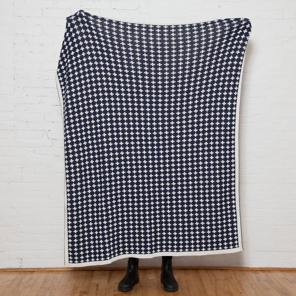 Eco Repeating Cross Reversible Throw