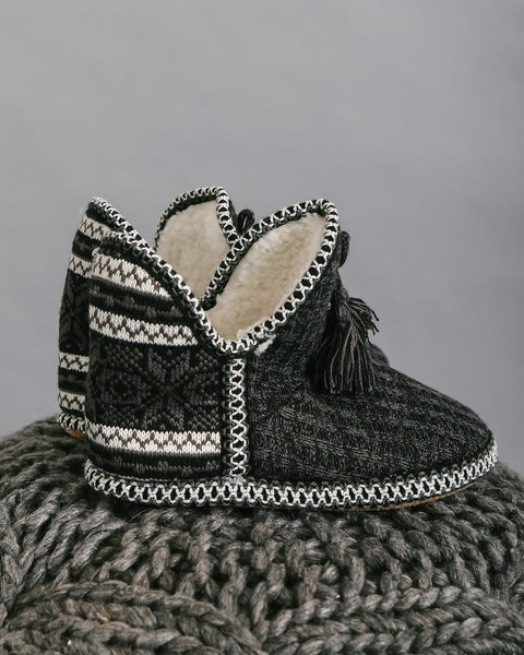 Nordic Tassel Slippers - Black