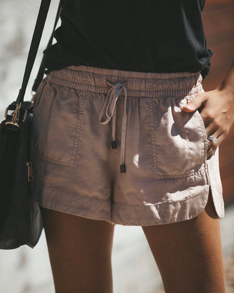 Balance Pocketed Tencel Shorts - Taupe