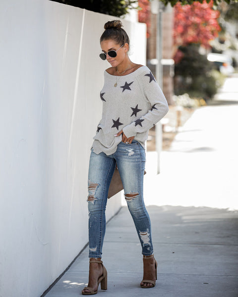 Make Amends Distressed Knit Star Top