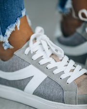 Champion Canvas Sneaker