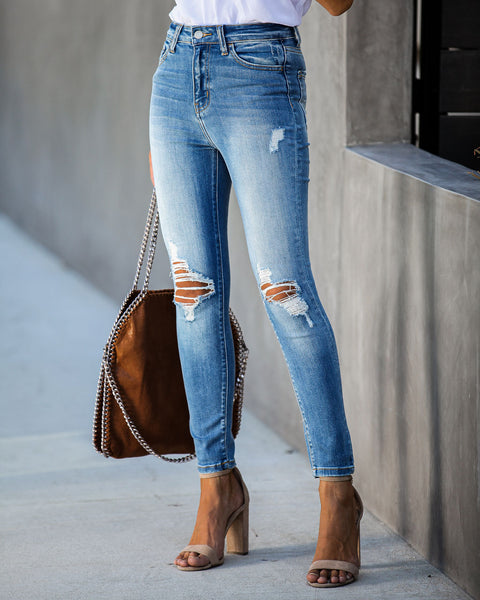 Turnout High Rise Distressed Skinny