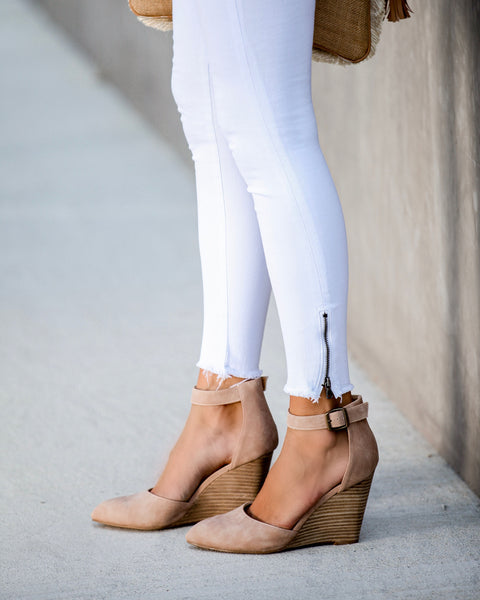 Lyon Pointed Wedge - Taupe