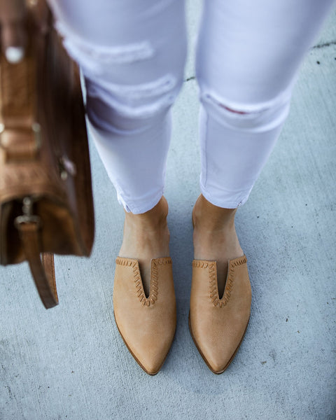 Pismo Beach Pointed Faux Leather Mules