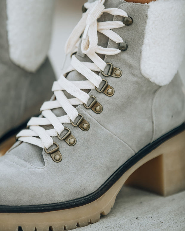 Conquest Heeled Shearling Lace Up Boot - Light Grey
