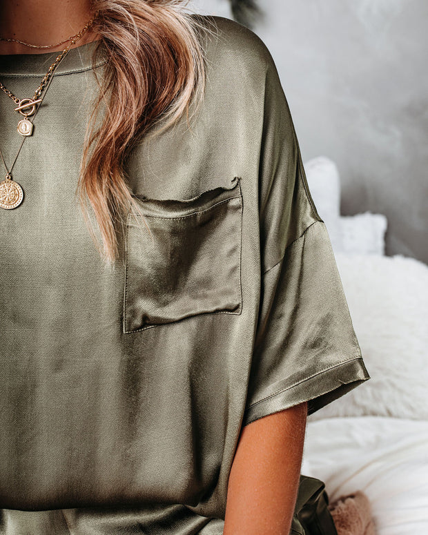 Gravity Satin Pocket Top - Olive