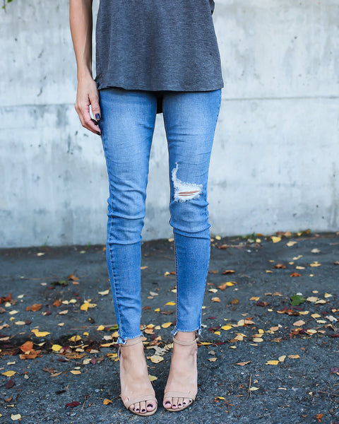 Frayed Basics Skinny - Medium Wash - FINAL SALE