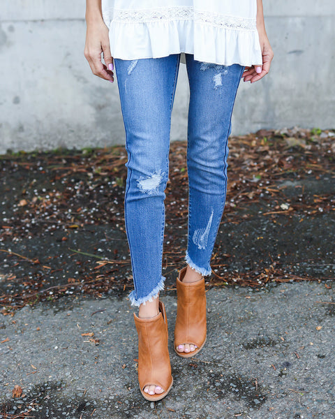Virginia Frayed Ankle Denim