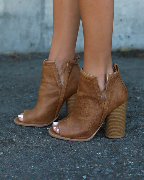 Duffy Peep Toe Bootie - Tan