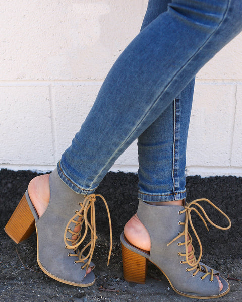 Montana Lace Up Stacked Heel - Grey - FINAL SALE