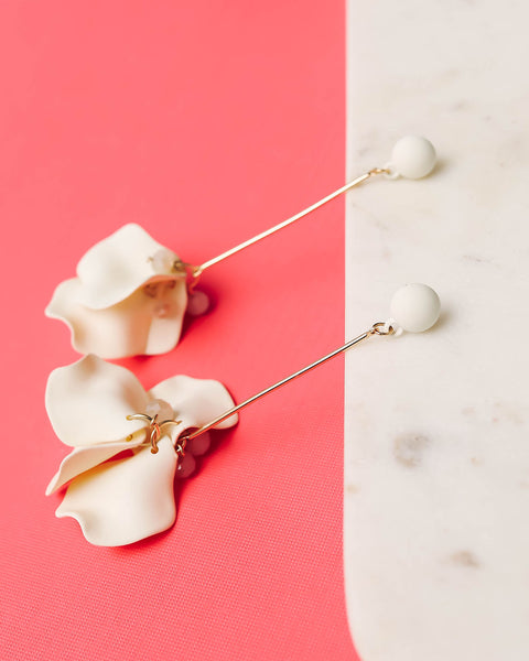 SHASHI - Penelope Floral Drop Earrings - Ivory