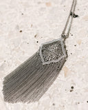 KENDRA SCOTT - Kingston Silver Long Pendant Necklace - Silver Filagree