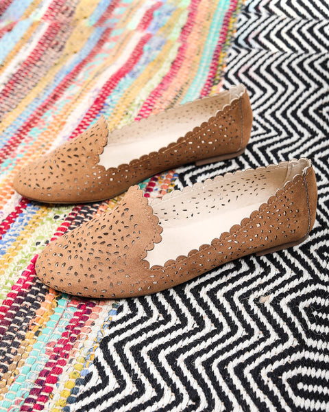 Lainey Laser Cut Flat