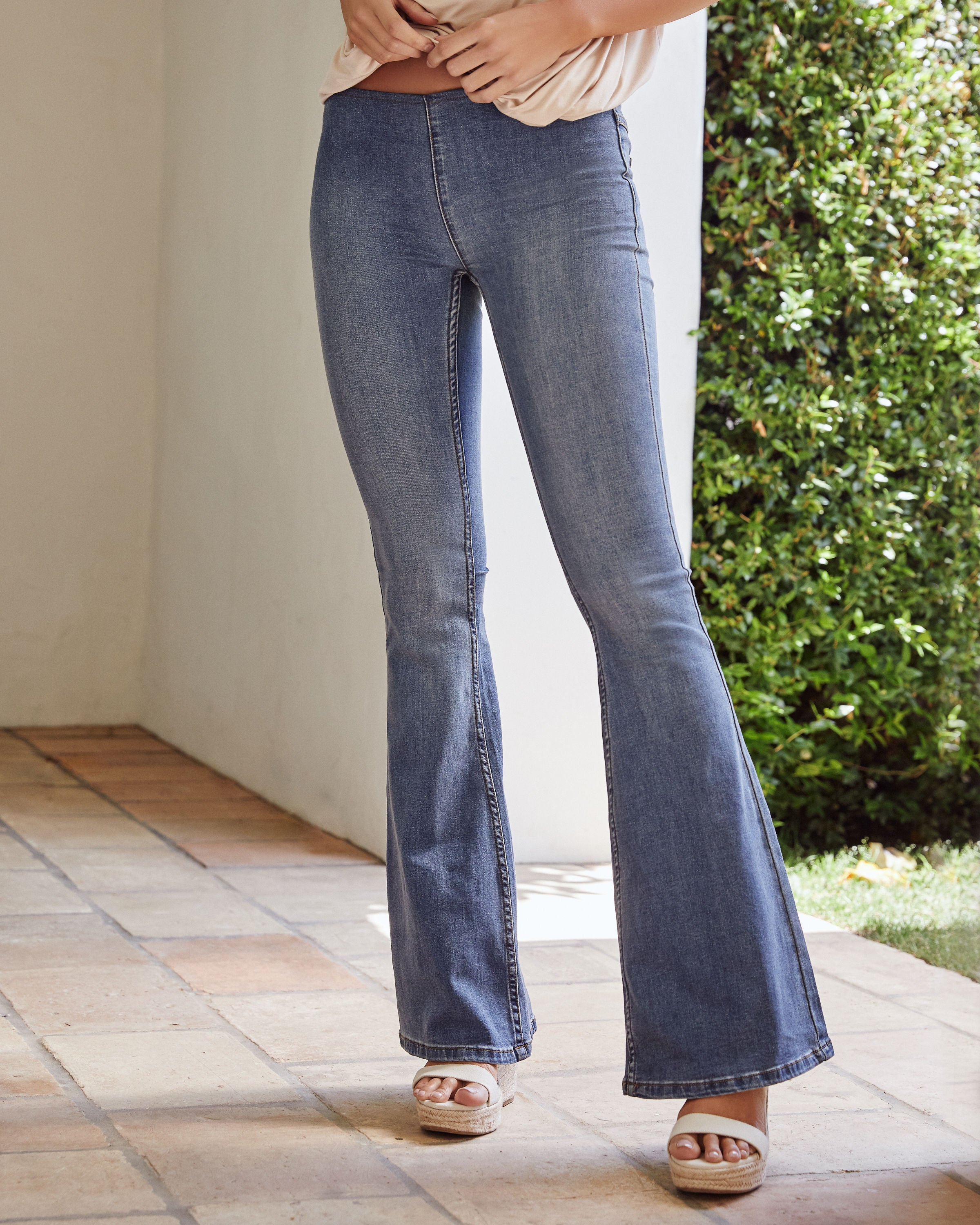 outlet for sale professional website timeless design Penny Pull-On Flare Jeans - Authentic Blue - FREE PEOPLE - FINAL SALE