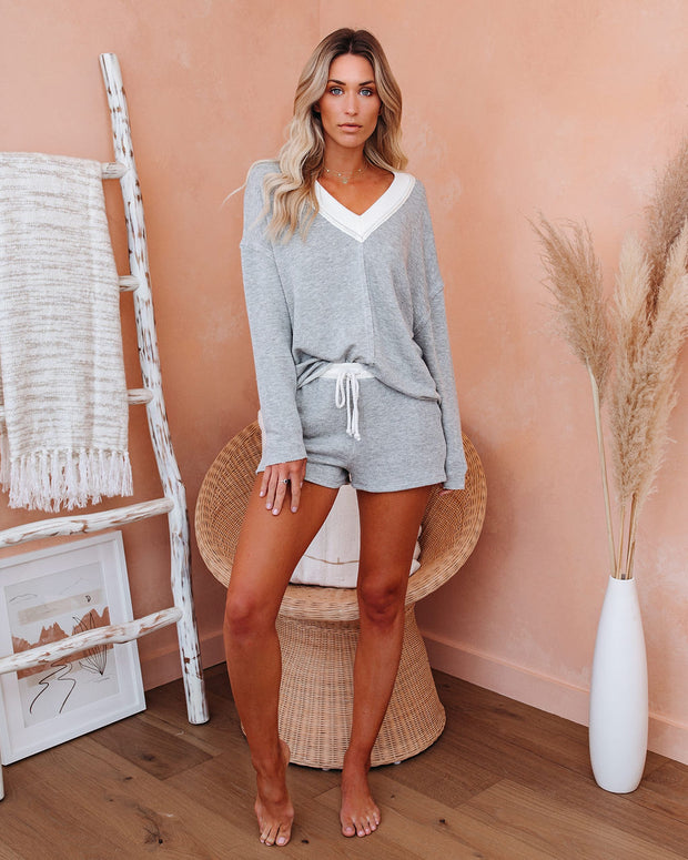 Habitual Relaxed V-Neck Knit Top