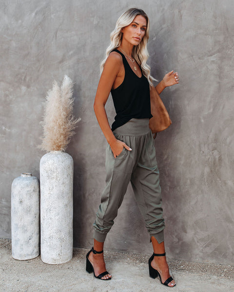 Hot And Bothered Pocketed Cotton Joggers - Olive