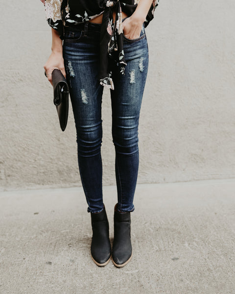 So Cal Distressed Ankle Skinny