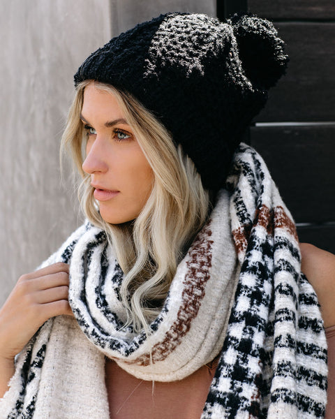 Light My Fire Pom Beanie - Black