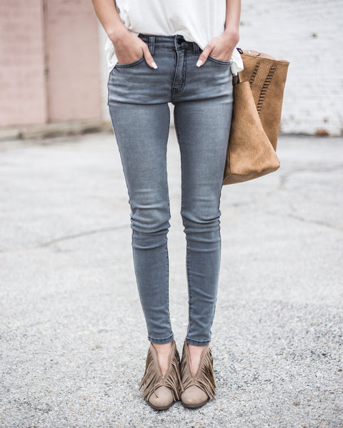 Premium Illusion Skinnies