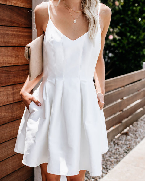 Supermodel Pocketed Statement Dress - White