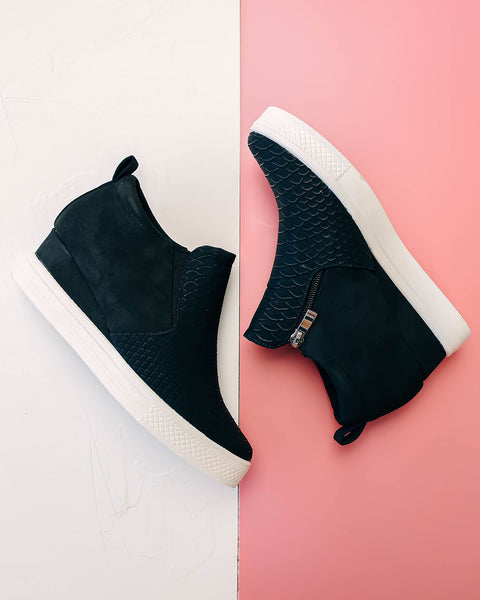Urban Girl Textured Wedge Sneaker - Black